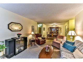 "Photo 4: 209 10644 151A Street in Surrey: Guildford Condo for sale in ""Lincoln Hill"" (North Surrey)  : MLS®# R2003304"