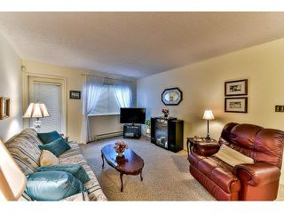 "Photo 3: 209 10644 151A Street in Surrey: Guildford Condo for sale in ""Lincoln Hill"" (North Surrey)  : MLS®# R2003304"
