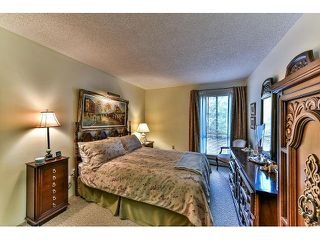 "Photo 10: 209 10644 151A Street in Surrey: Guildford Condo for sale in ""Lincoln Hill"" (North Surrey)  : MLS®# R2003304"