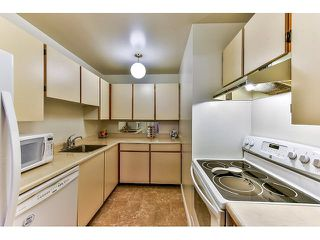 "Photo 5: 209 10644 151A Street in Surrey: Guildford Condo for sale in ""Lincoln Hill"" (North Surrey)  : MLS®# R2003304"