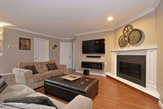 "Photo 11: 21585 86 Court in Langley: Walnut Grove House for sale in ""FOREST HILLS"" : MLS®# R2028400"