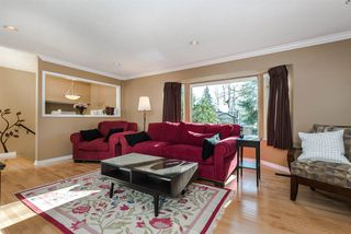 Photo 5: 7129 BUFFALO Street in Burnaby: Government Road House for sale (Burnaby North)  : MLS®# R2032643