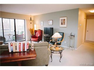 Photo 2: 407 1050 Park Blvd in VICTORIA: Vi Fairfield West Condo Apartment for sale (Victoria)  : MLS®# 722013