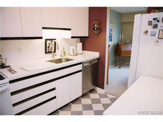 Photo 13: 407 1050 Park Boulevard in VICTORIA: Vi Fairfield West Condo Apartment for sale (Victoria)  : MLS®# 360546
