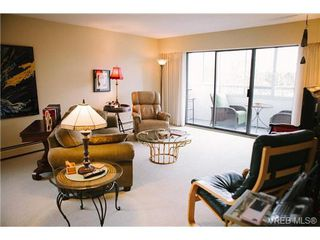 Photo 3: 407 1050 Park Boulevard in VICTORIA: Vi Fairfield West Condo Apartment for sale (Victoria)  : MLS®# 360546