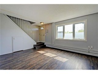 Photo 4: 109 3809 45 Street SW in Calgary: Glenbrook House for sale : MLS®# C4066213
