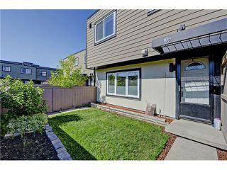 Photo 1: 109 3809 45 Street SW in Calgary: Glenbrook House for sale : MLS®# C4066213