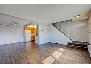 Photo 3: 109 3809 45 Street SW in Calgary: Glenbrook House for sale : MLS®# C4066213