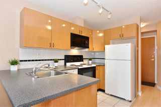 "Photo 7: 706 939 HOMER Street in Vancouver: Yaletown Condo for sale in ""Pinnacle"" (Vancouver West)  : MLS®# R2082268"