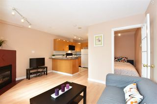 "Photo 5: 706 939 HOMER Street in Vancouver: Yaletown Condo for sale in ""Pinnacle"" (Vancouver West)  : MLS®# R2082268"