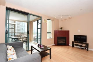 "Photo 3: 706 939 HOMER Street in Vancouver: Yaletown Condo for sale in ""Pinnacle"" (Vancouver West)  : MLS®# R2082268"