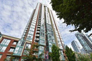 "Photo 1: 706 939 HOMER Street in Vancouver: Yaletown Condo for sale in ""Pinnacle"" (Vancouver West)  : MLS®# R2082268"