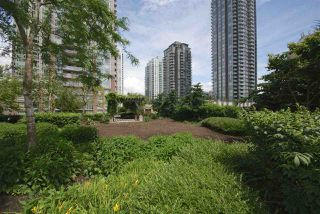 "Photo 14: 2504 2980 ATLANTIC Avenue in Coquitlam: North Coquitlam Condo for sale in ""LEVO"" : MLS®# R2083721"