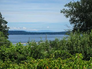 Photo 3: 5083 BEAUFORT ROAD in FANNY BAY: CV Union Bay/Fanny Bay House for sale (Comox Valley)  : MLS®# 736353