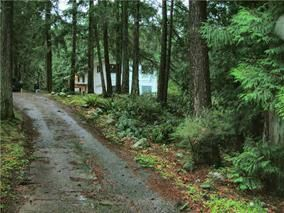 "Photo 1: 2259 GAIL Road: Roberts Creek House for sale in ""ROBERTS CREEK"" (Sunshine Coast)  : MLS®# R2088864"