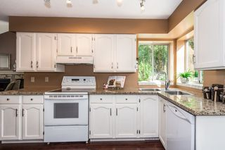 Photo 9: 3009 DELAHAYE Drive in Coquitlam: Canyon Springs House for sale : MLS®# R2108746
