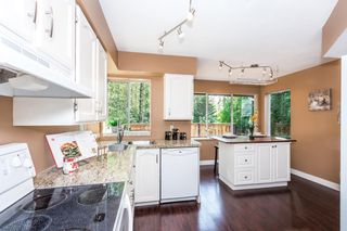 Photo 8: 3009 DELAHAYE Drive in Coquitlam: Canyon Springs House for sale : MLS®# R2108746