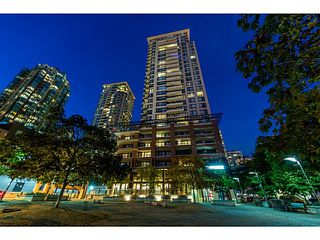 "Photo 3: 2604 977 MAINLAND Street in Vancouver: Yaletown Condo for sale in ""YALETOWN PARK III"" (Vancouver West)  : MLS®# R2122379"