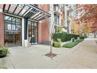 "Photo 5: 2604 977 MAINLAND Street in Vancouver: Yaletown Condo for sale in ""YALETOWN PARK III"" (Vancouver West)  : MLS®# R2122379"