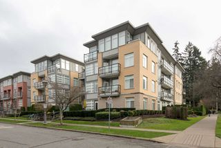 """Photo 2: 403 5692 KINGS Road in Vancouver: University VW Condo for sale in """"O'KEEFE"""" (Vancouver West)  : MLS®# R2124954"""