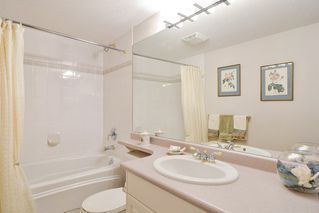 "Photo 11: 312 15350 19A Avenue in Surrey: King George Corridor Condo for sale in ""STRATFORD GARDENS"" (South Surrey White Rock)  : MLS®# R2126708"