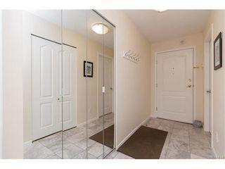 Photo 3: 402 1501 Richmond Ave in VICTORIA: Vi Jubilee Condo for sale (Victoria)  : MLS®# 748185