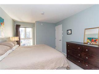 Photo 10: 402 1501 Richmond Ave in VICTORIA: Vi Jubilee Condo for sale (Victoria)  : MLS®# 748185