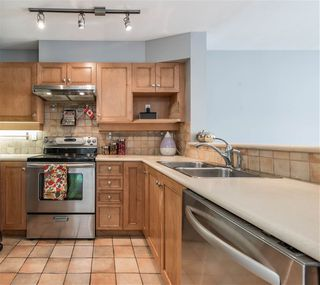 "Photo 4: 313 3333 W 4TH Avenue in Vancouver: Kitsilano Condo for sale in ""BLENHEIM TERRACE"" (Vancouver West)  : MLS®# R2131910"
