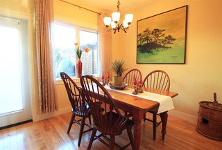"""Photo 9: 14 728 GIBSONS Way in Gibsons: Gibsons & Area Townhouse for sale in """"ISLAND VIEW LANES"""" (Sunshine Coast)  : MLS®# R2132355"""