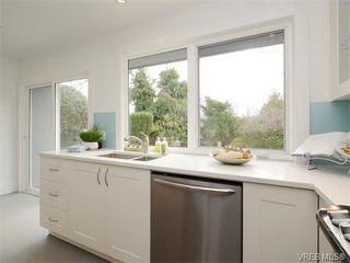Photo 10: 2111 Kings Road in VICTORIA: OB Henderson Single Family Detached for sale (Oak Bay)  : MLS®# 374426