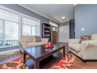 Photo 3: 32982 CHERRY Avenue in Mission: Mission BC House for sale : MLS®# R2169700