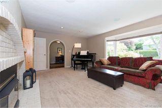 Photo 7: 620 Normanton Court in VICTORIA: Vi Fairfield East Single Family Detached for sale (Victoria)  : MLS®# 380205