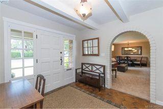 Photo 4: 620 Normanton Court in VICTORIA: Vi Fairfield East Single Family Detached for sale (Victoria)  : MLS®# 380205