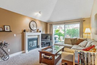 """Photo 2: 63 9045 WALNUT GROVE Drive in Langley: Walnut Grove Townhouse for sale in """"BRIDLEWOODS"""" : MLS®# R2200616"""