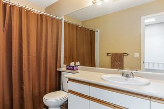 """Photo 17: 63 9045 WALNUT GROVE Drive in Langley: Walnut Grove Townhouse for sale in """"BRIDLEWOODS"""" : MLS®# R2200616"""
