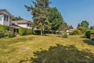"""Photo 19: 63 9045 WALNUT GROVE Drive in Langley: Walnut Grove Townhouse for sale in """"BRIDLEWOODS"""" : MLS®# R2200616"""