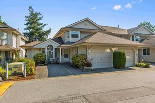 """Photo 1: 63 9045 WALNUT GROVE Drive in Langley: Walnut Grove Townhouse for sale in """"BRIDLEWOODS"""" : MLS®# R2200616"""