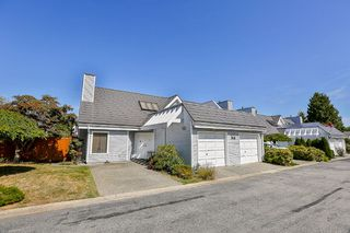 "Photo 2: 11 9771 152B Street in Surrey: Guildford Townhouse for sale in ""Turnberry"" (North Surrey)  : MLS®# R2201181"