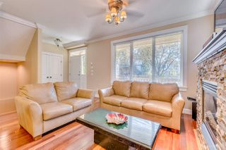 Photo 4: 635 E 10TH Avenue in Vancouver: Mount Pleasant VE House 1/2 Duplex for sale (Vancouver East)  : MLS®# R2205517