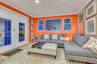 "Photo 1: 3 2130 MARINE Drive in West Vancouver: Dundarave Condo for sale in ""Lincoln Gardens"" : MLS®# R2211429"
