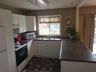 Photo 3: 141 Castle Tower Drive in Kamloops: Sahali House for sale : MLS®# 143113