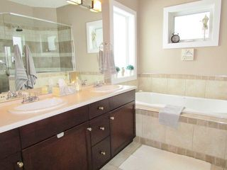 """Photo 10: 11111 88 Street in Fort St. John: Fort St. John - City NE House for sale in """"WHISPERING WINDS"""" (Fort St. John (Zone 60))  : MLS®# R2250380"""