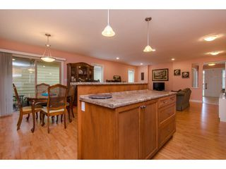 """Photo 3: 74 46000 THOMAS Road in Sardis: Vedder S Watson-Promontory House for sale in """"Halcyon Meadows"""" : MLS®# R2316702"""