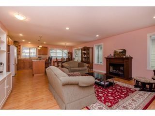 """Photo 8: 74 46000 THOMAS Road in Sardis: Vedder S Watson-Promontory House for sale in """"Halcyon Meadows"""" : MLS®# R2316702"""
