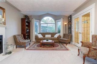 Photo 6: 2057 Reid Crt in SAANICHTON: CS Saanichton House for sale (Central Saanich)  : MLS®# 801318