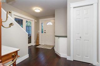 Photo 5: 2057 Reid Court in SAANICHTON: CS Saanichton Single Family Detached for sale (Central Saanich)  : MLS®# 401543