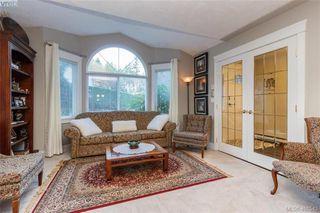 Photo 7: 2057 Reid Crt in SAANICHTON: CS Saanichton House for sale (Central Saanich)  : MLS®# 801318