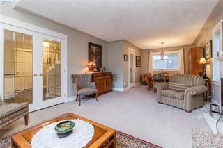 Photo 8: 2057 Reid Court in SAANICHTON: CS Saanichton Single Family Detached for sale (Central Saanich)  : MLS®# 401543