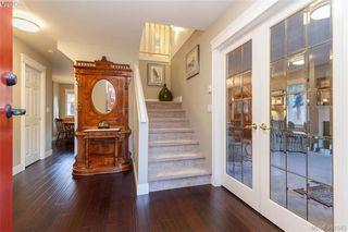 Photo 4: 2057 Reid Crt in SAANICHTON: CS Saanichton House for sale (Central Saanich)  : MLS®# 801318