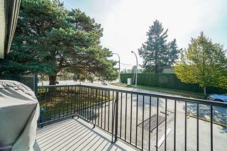 Photo 8: 9349 140 Street in Surrey: Bear Creek Green Timbers House for sale : MLS®# R2331581